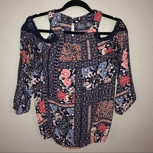 SOHO New York & Company Floral Cold shoulder top